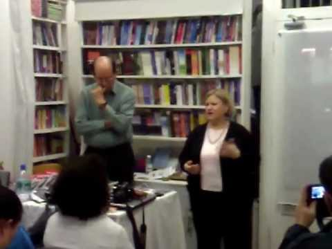 """Richard Simonetti apresenta """"To love and to live in Peace"""" no Sir William Crookes , Londres - part 3"""