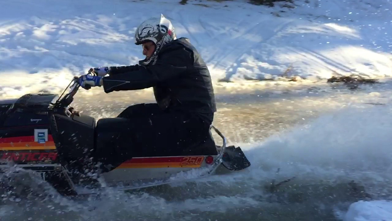 1980 Yamaha Enticer 250, cuts through water like a laser beam