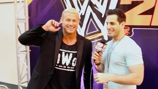 Baixar Fans Boo During My Interview with Dolph Ziggler at WrestleMania Axxess
