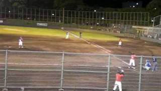 2009年6月12日 9回に登板した吉田えり投手の投球。 2死1,3塁 4番...