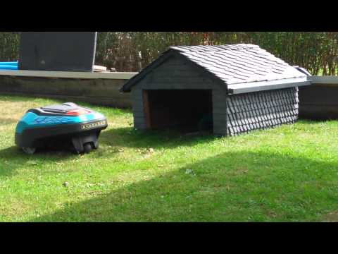 m hroboter garage aus schiefer gardena r70li lawn mower part 2 youtube. Black Bedroom Furniture Sets. Home Design Ideas