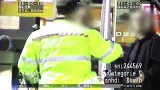 Blik op de Weg OFFICIAL - Fragment Gestolen bus wordt gespot