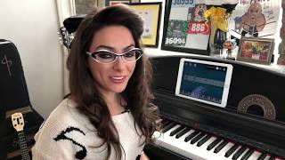 Katie Linendoll Reviews her Gadget of the Day: The Simply Piano App by JoyTunes