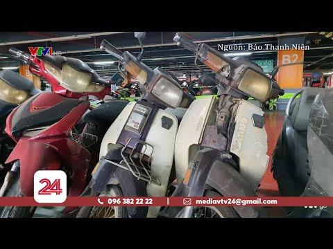 Hàng Trăm Xe Máy Bị Bỏ Quên ở Sân Bay Tân Sơn Nhất | VTV24