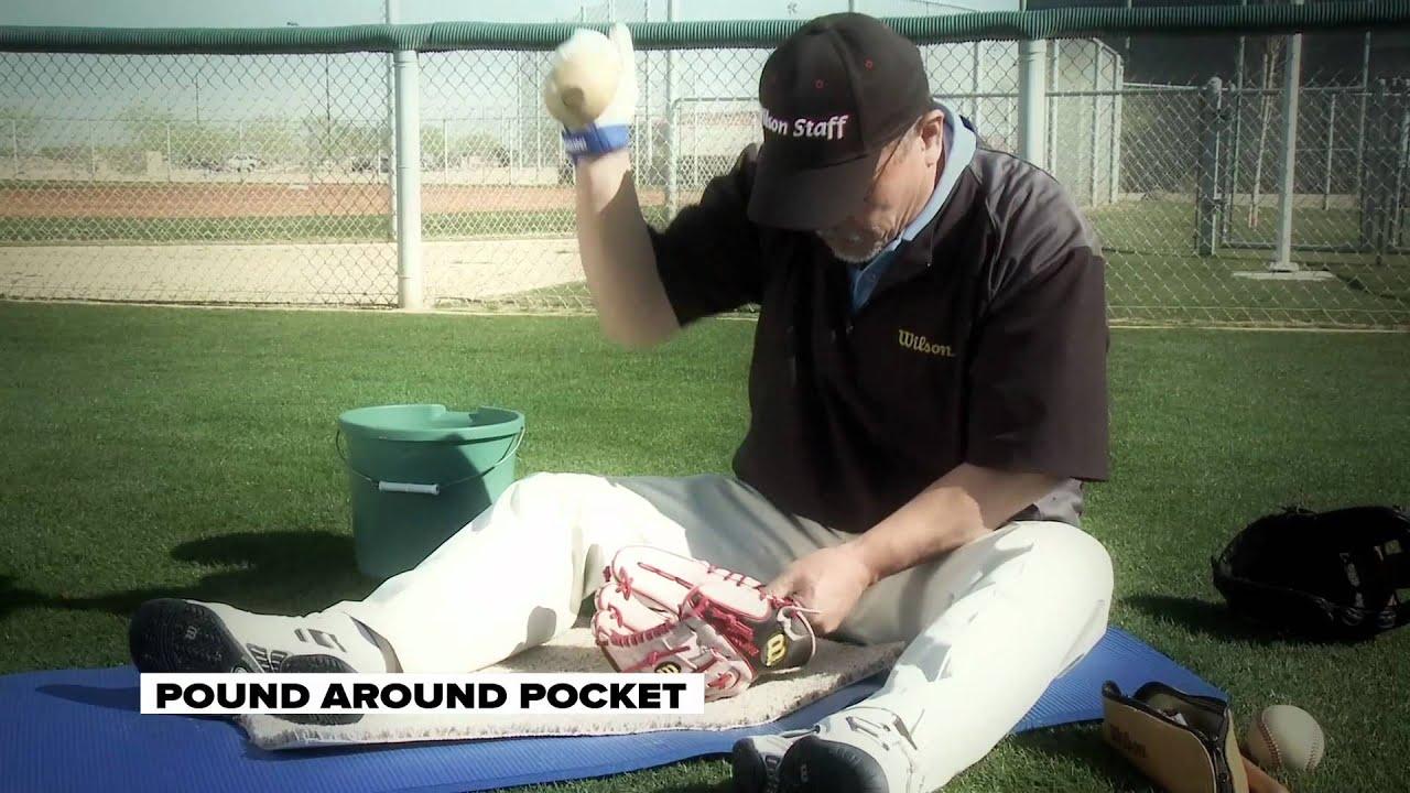 Download Aso Breaks In Brandon Phillips' Baseball Glove