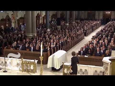 Politics: Senator Kennedys Funeral Service | The New York Times