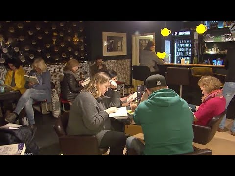 "Gemeinsam in Ruhe: ""Silent Reading Party"" in Osnabrück"