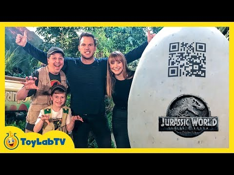 Jurassic World Fallen Kingdom Dinosaur Surprise Toys with Chris Pratt, Bryce Dallas Howard & T-Rex