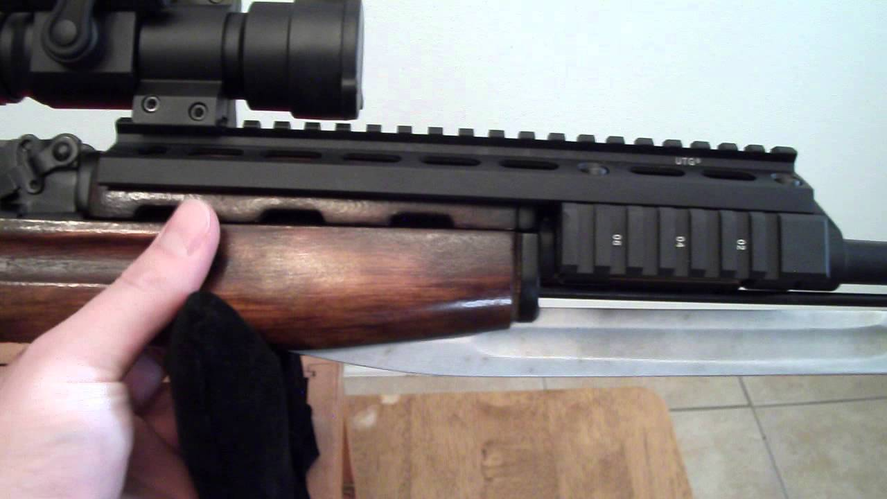 Add the UTG U640 scope mount for SKS : EscapefromTarkov