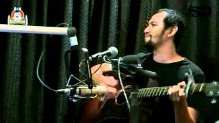 Johnoy Danao performs Wala nang Hahanapin Pa -- APO ♫♫♫ 10-10- 11