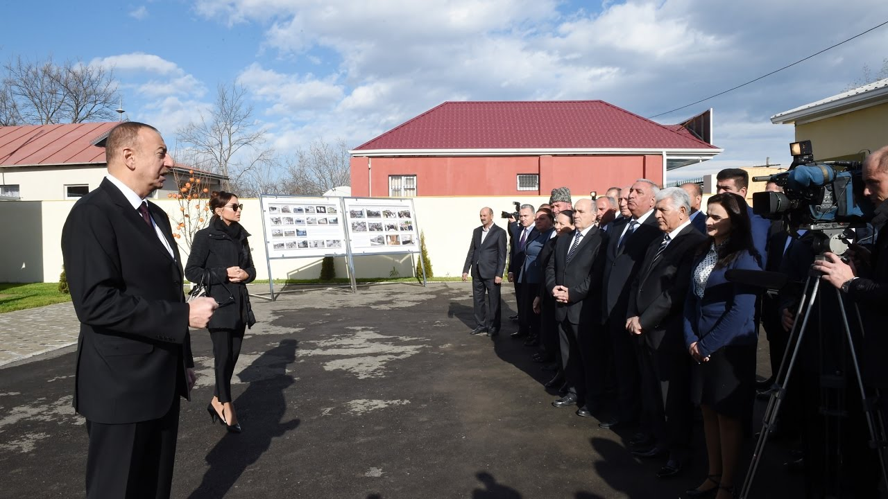 İlham Əliyev Ağdamda rayon ictimaiyyətinin nümayəndələri ile ilgili görsel sonucu