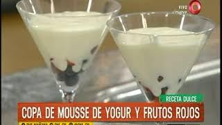 Receta dulce: Copa de mousse de yogur y frutos rojos
