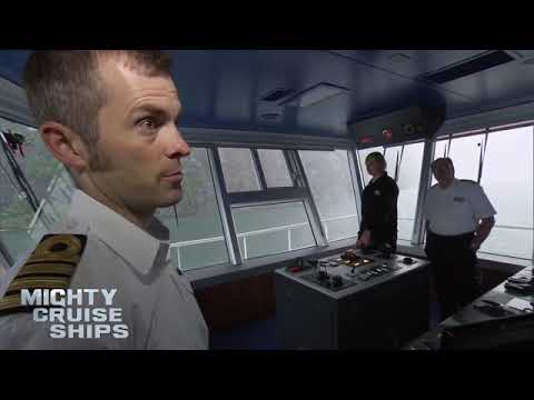 Docking In High Winds | Mighty Cruise Ships