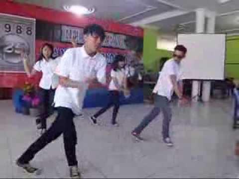 Reno Aditya & 7PM dance (Inikah Rasanya) Performance SMANSA Reunion