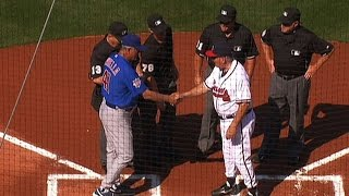CHC@ATL: Cox exchanges lineup cards with Piniella