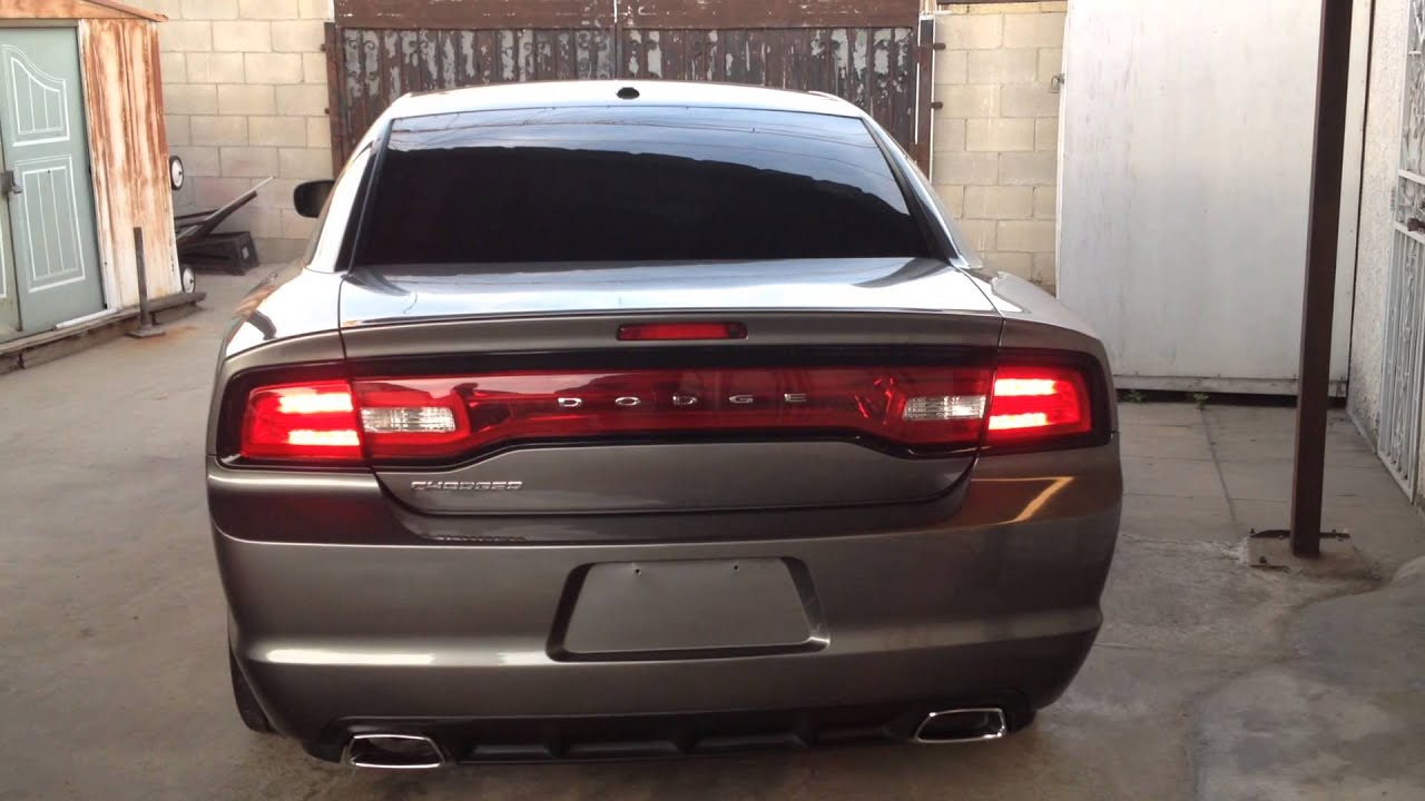 2011 Dodge Charger Sequential Tail Lights Youtube