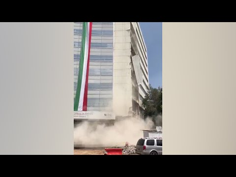 Moment huge slabs fall from building after Mexico earthquake
