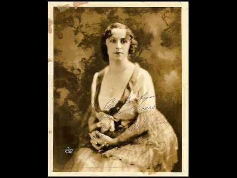 Amelita Galli-Curci - Rigoletto :