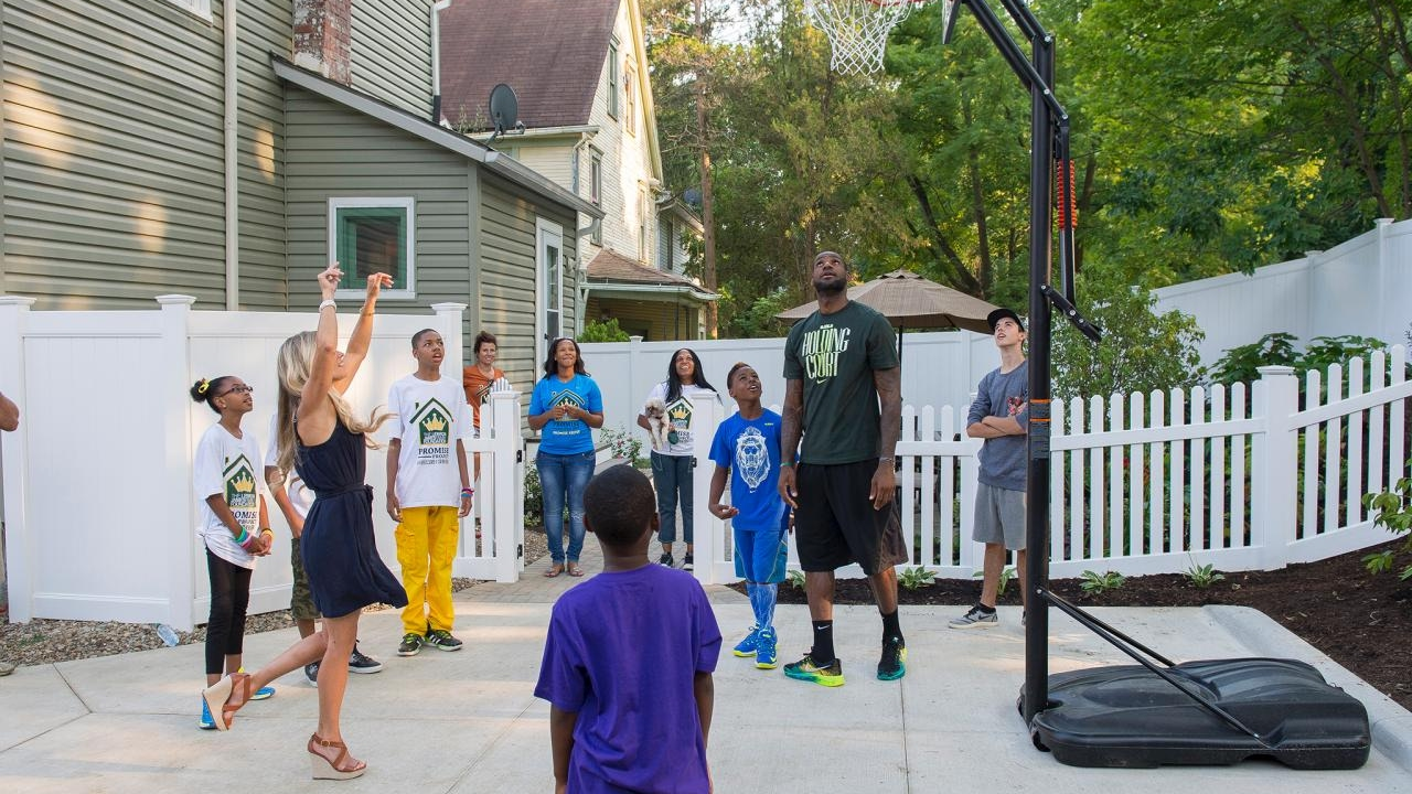 lebron james u0027s son u0027s play 1 on 1 in the backyard rare footage