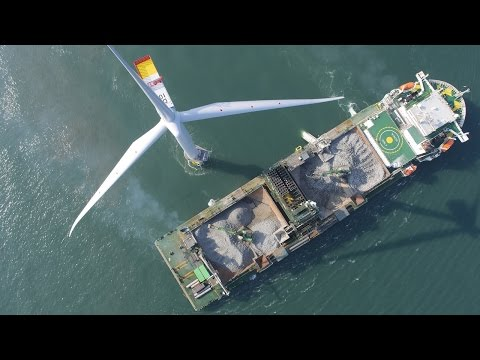 Boskalis - falllpipe vessel Seahorse at windfarm West of Dud