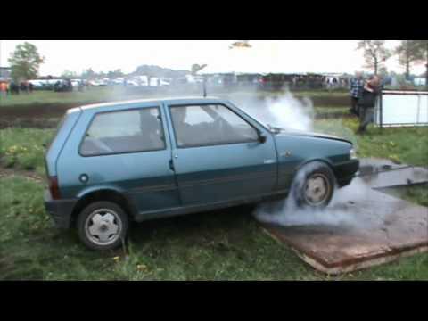 Fiat Uno burnout