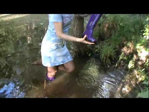 Rubber boots in water M2U00581.MPG