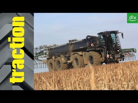 SGT ST30000 auf Xerion 4000 Saddle Trac in der traction Arbe