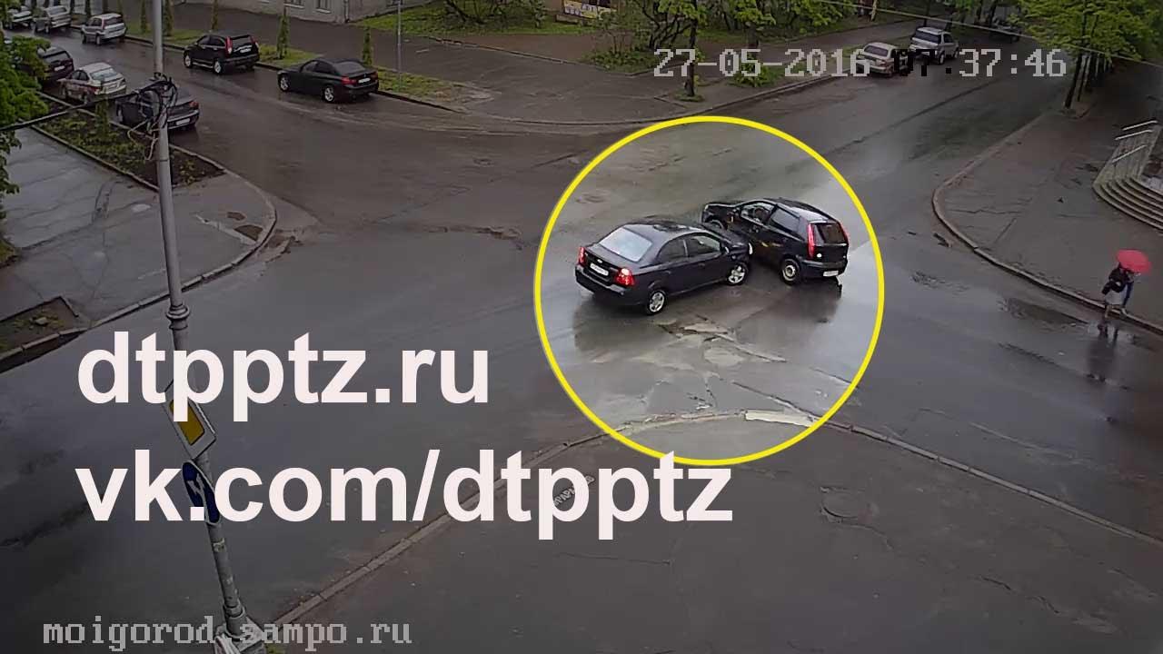 ДТП на перекрёстке