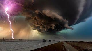عاصفة رهيبة مفاجئة تضرب طريق الطائف الرياض