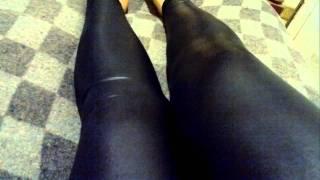 Black Leggings - Calzas Negras de Vinilo Engomadas