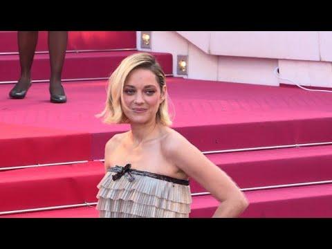 Fonda Huppert Cotillard Sur Le Tapis Rouge à Cannes Youtube