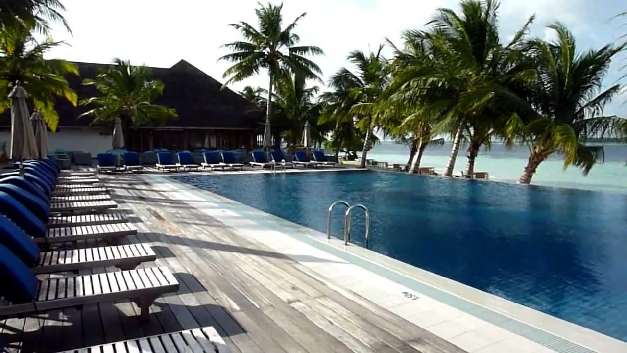 Vilamendhoo Island Resort Hotel