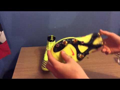EliteBallers   Nike Magista Obra Volt/Hyper Punch- Unboxing And On Feet
