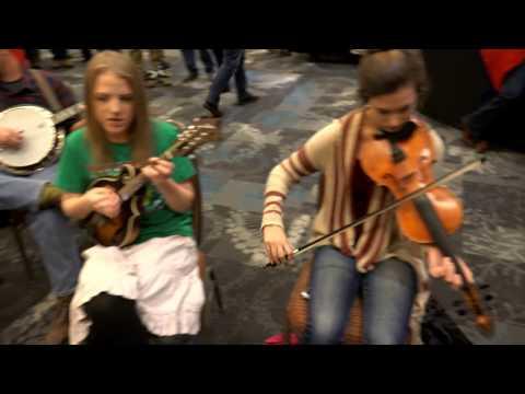 Bluegrass Kinda Christmas Jam - Over The Waterfall