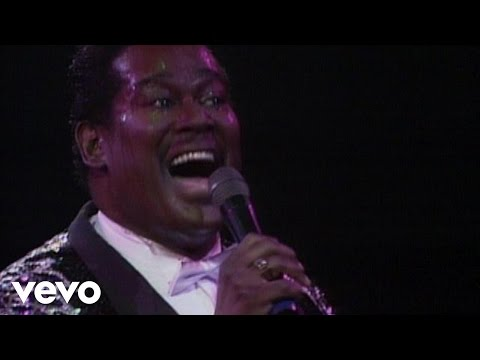 Luther Vandross - Love Won't Let Me Wait (from Live at Wembley)