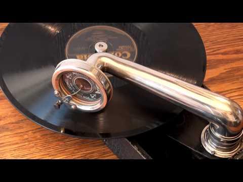 Columbia GP-3 meets Decca portable gramophonede YouTube · Haute définition · Durée:  3 minutes 22 secondes · vues 444 fois · Ajouté le 30.09.2012 · Ajouté par yuichis3010