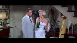 Marilyn Monroe SEVEN YEAR ITCH backstory  1/3