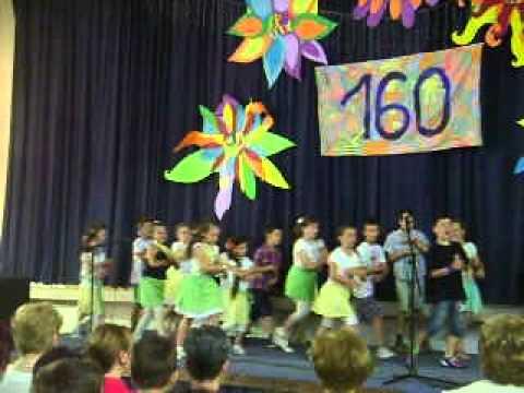 """Završna priredba škole - ples učenika """"Dat će nam Bog"""""""