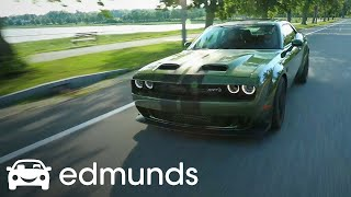 Is the 2019 Dodge Challenger SRT Hellcat Redeye Worth an Extra 10K