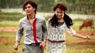夏家三千金 : 片头曲 - 姜洋: 你画的彩虹; 片尾曲 - 戚薇 :太过爱你