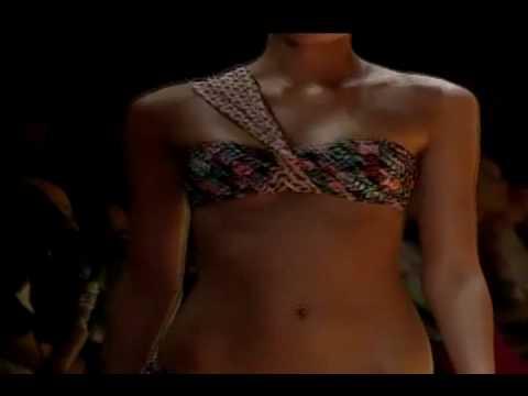 Salinas Bikini - Fashion show 2010 - Parte 1