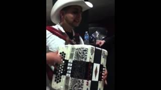 Junior Del Rio - piquito de oro (crazy accordion skills)