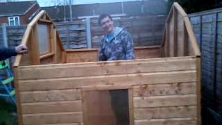 Guy Builds Him Self In A Wendy House! Funny
