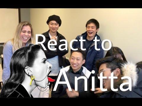 Koreanos e Japoneses Reagindo a Anitta/Brazilian Singer- Downtown Anitta & J Balvin)