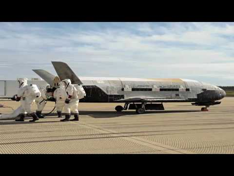 SpaceX wins contract: to launch secret spaceflight Air Force.