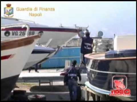 Napoli - Sequestro di beni tra cui uno yacht di 26 metri al boss Gennaro Cimmino (live 30.05.12)