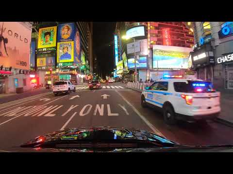⁴ᴷ⁶⁰ NYC State Of Emergency : Midtown At Night (Times Square, Penn Station, 42nd St) (April 3, 2020)