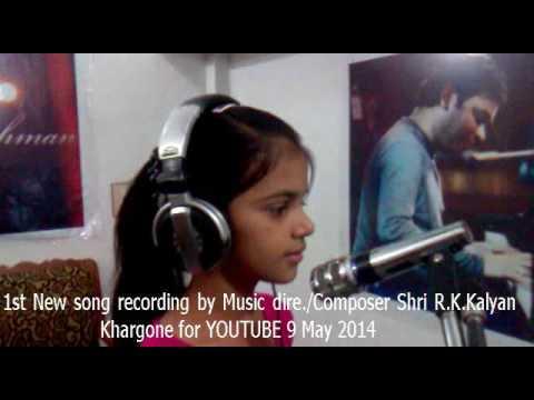 Aashi Joshi... Recoding song..... Director, Writer,& Composure - R K Kalyan Studio-,7 Khargone MP