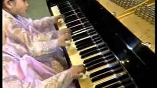 [Piano]