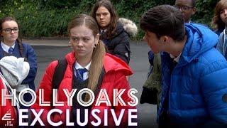 E4 Exclusive Clip: Juliet Provokes Ollie